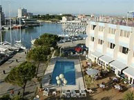 hotel_neptune_carnon.jpg